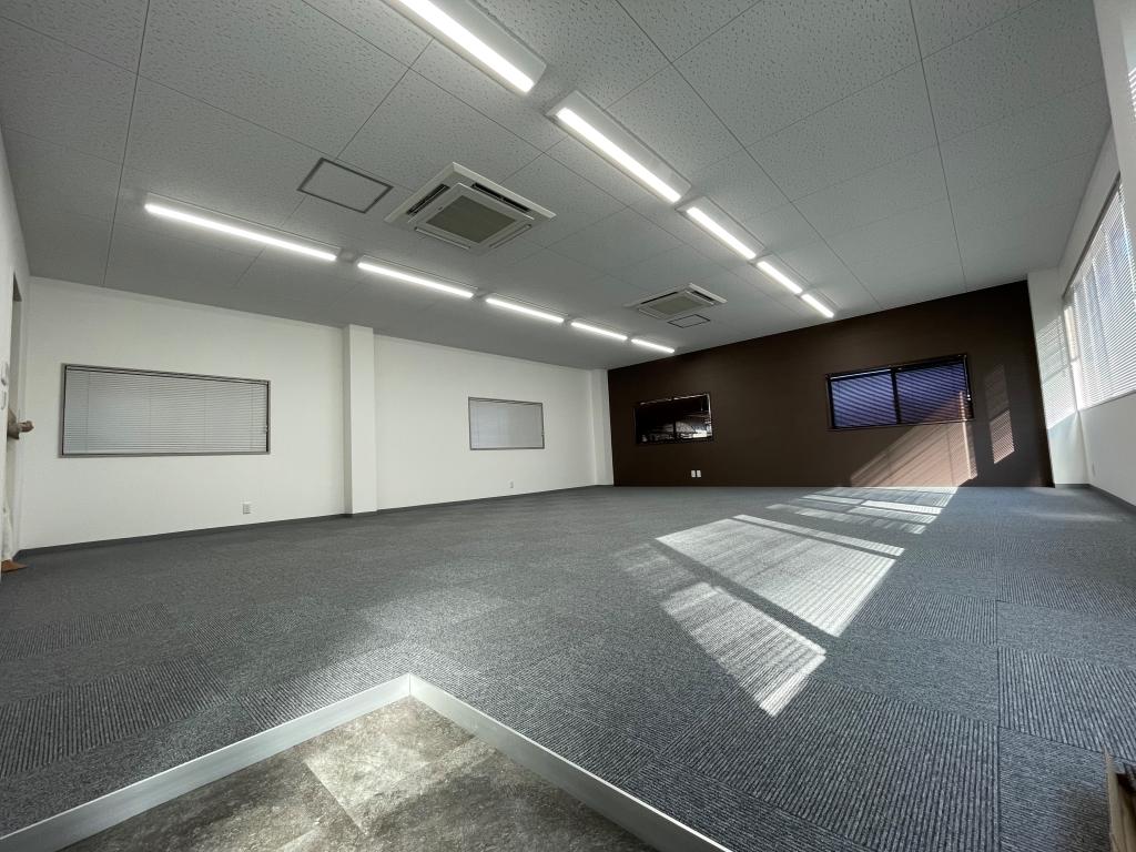 静岡市葵区北 M様 倉庫兼事務所 改修工事 施工④ 完成